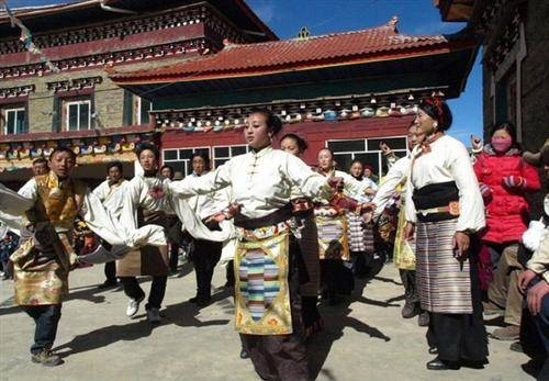 Dances for the Tibetan New Year