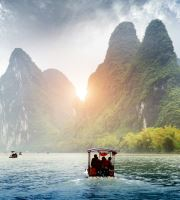 Take a beautiful boat trip in the Li River of Guilin