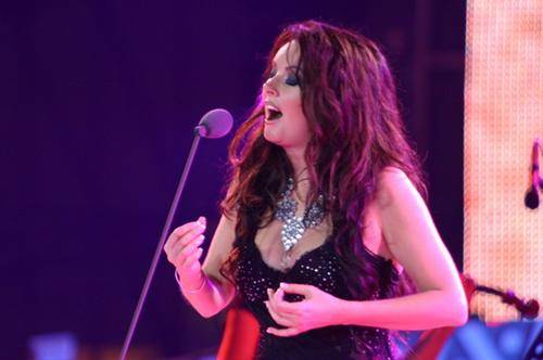 Sarah Brightman Singing in Nanning International Folk Song Festival