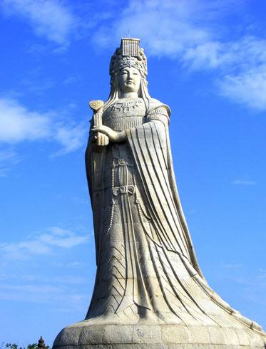 Statue of Mazu on Meizhou Island